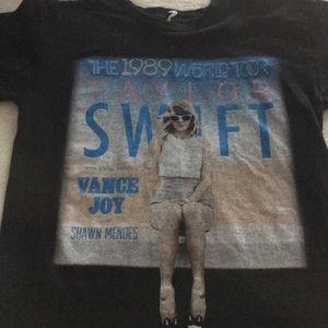 💕Taylor Swift  💕Concert T-shirt 💕2015